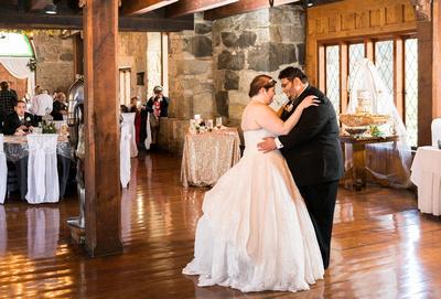 cake, dance, first dance, reception, wedding day